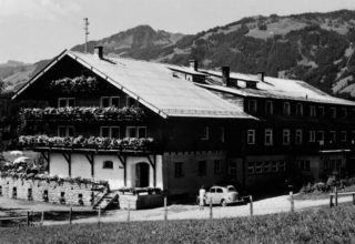 Historic photo of chalet in 1932