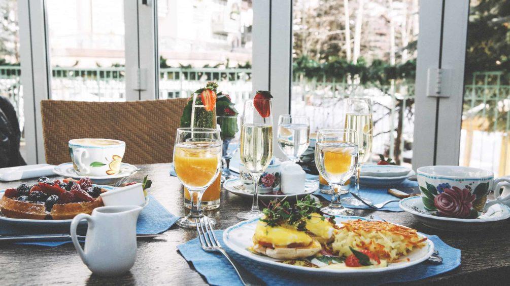 Sonnenalp-Breakfast-3b5a45902_34452150665_o
