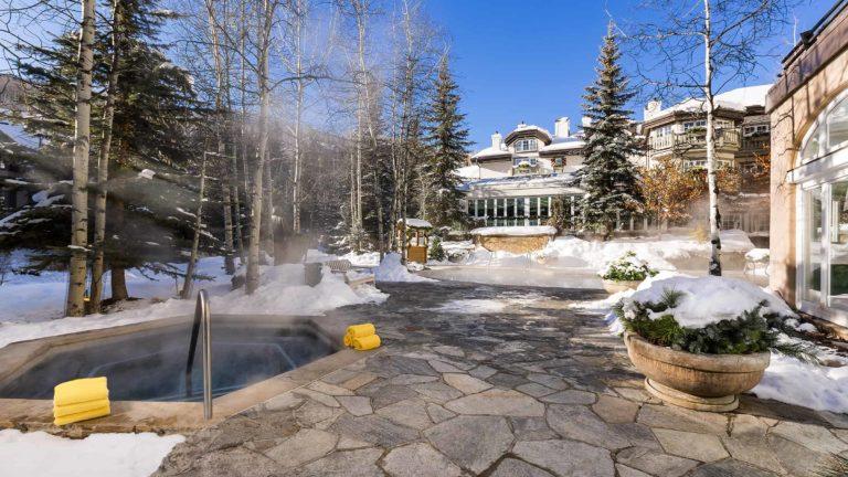 outdoor hot tubs in winter
