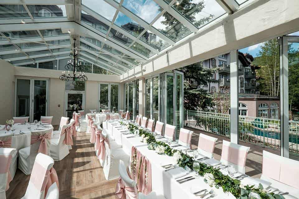 Terrace room with tables and placesettings